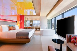 King WOW Suite