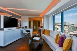 One Bedroom King W Suite