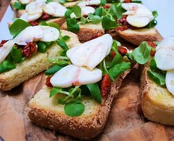 Bruschetta with Octopus and olive oil