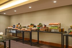 Mount Royal Meeting Room – Catered Lunch Buffet