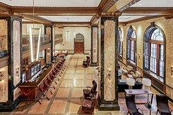 Lobby & Trade Room