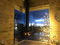 Hanging fire in the corner window