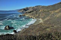 Costa del Pacifico a nord di Santa Barbara - California - USA. Cliccare sulla foto per vederla come scattata.