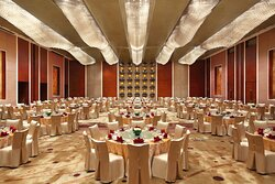 Grand Ballroom - Round