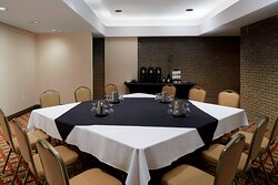 D'Auteuil Meeting Room - Conference Setup