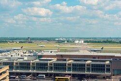 Guest Room - Philadelphia Airport Runway View