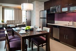 Executive King Suite - Dining Area