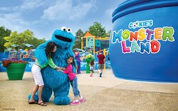 Cookie's Monster Land - 1 mile from the hotel