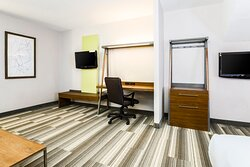 King Bed with Seating Area at Holiday Inn Express Langhorne