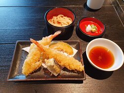 lovely vegetable tempura with soba noodles