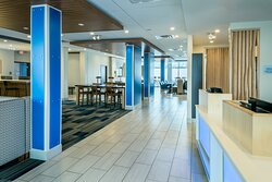 Our spacious lobby is perfect for working or relaxing.