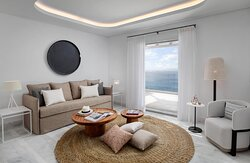 Galaxy Sharing Pool Suite living room