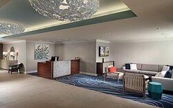 Sunset Lodge & Suites Lobby
