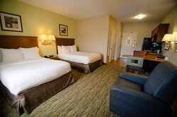 2 Full Bed Guestroom