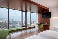 Superior room with city view - high floor