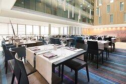 Scandic Stavanger Airport restaurant tables