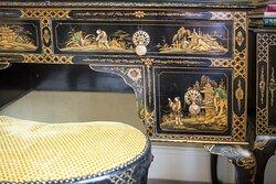 Marvellous Room Oriental Dressing Table