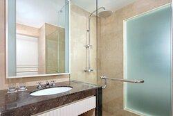 Classic Guest Bathroom