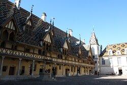 Courtyard of the Hôtel-Dieu.