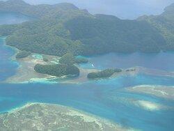 浸食して島が成立している事がよくわかります
