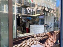 Extraordinaires pizzas! Les meilleures de Nice!