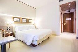 Guest Queen comfort Bedroom