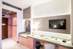 comfort room desk amenity