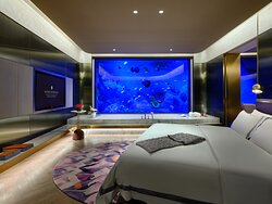 InterContinental King Bed Suite Underwater View