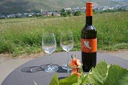 Unserer Wein- und Sektauswahl präsentieren wir Ihnen gerne.