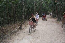 Rodando en la selva