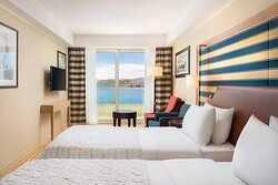 Twin/Twin Classic Sea View Guest Room