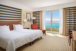Twin/Twin Deluxe Sea View Guest Room