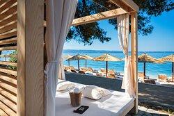 Gooshter Beach Club Sunbeds