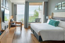 King Superior Sea View Guest Room