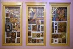 Собрание редких икон в третьем зале Музея