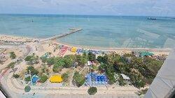 Vista da piscina da cobertura do hotel Seara Praia.