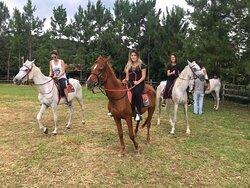 Passeio a cavalo.
