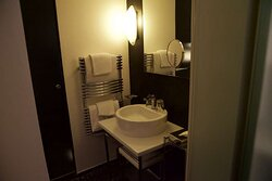 Deuplex Bathroom at 1K Paris