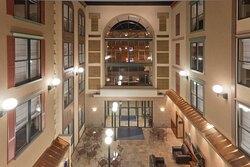 Hotel Lobby & Entrance - Holiday inn Express: Lodging in Deadwood