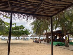 Отличное отношение цены и качества, лучший пляж.