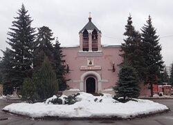 Церковь Серафима Саровского и Анны Кашинской на Новом Донском кладбище
