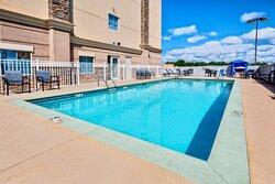 Holiday Inn Express & Suites Outdoor(Seasonal) Pool