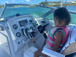 Everyone loves being the captain 👩✈️