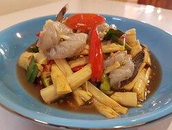 Bamboo spicy salad with anchovy and raw prawns