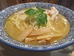 比内地鶏スープ中華蕎麦大