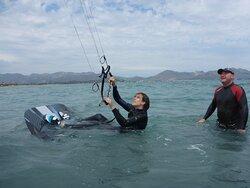 clases de kitesurf en Mallorca posicionando para waterstart