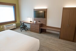 Beautiful new hotel near Fort Wayne attractions