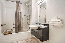 Motel College Station TX Bathroom ADA Tub