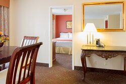 Executive Suite at Holiday Inn Chicago O'Hare Airport Hotel (ORD)