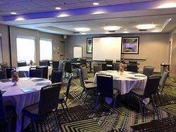 Sacramento Airport Hotel Meeting & Banquet Room